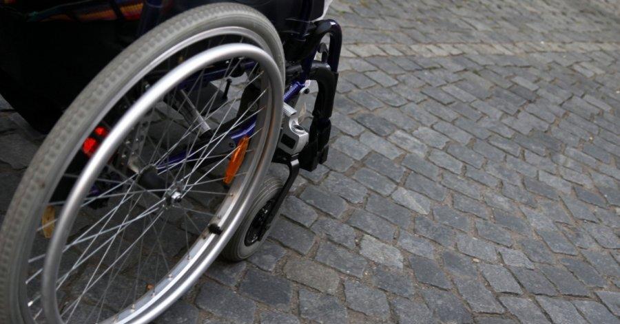 В Минске автомобиль сбил женщину. Она успеха оттолкнуть коляску с ребенком