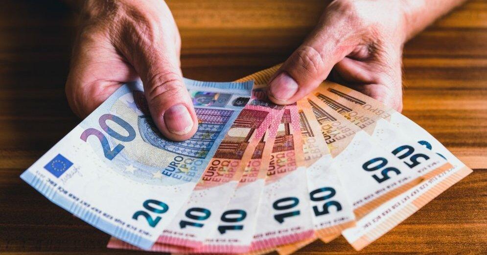 Прогноз: средняя брутто-зарплата будет 751 евро