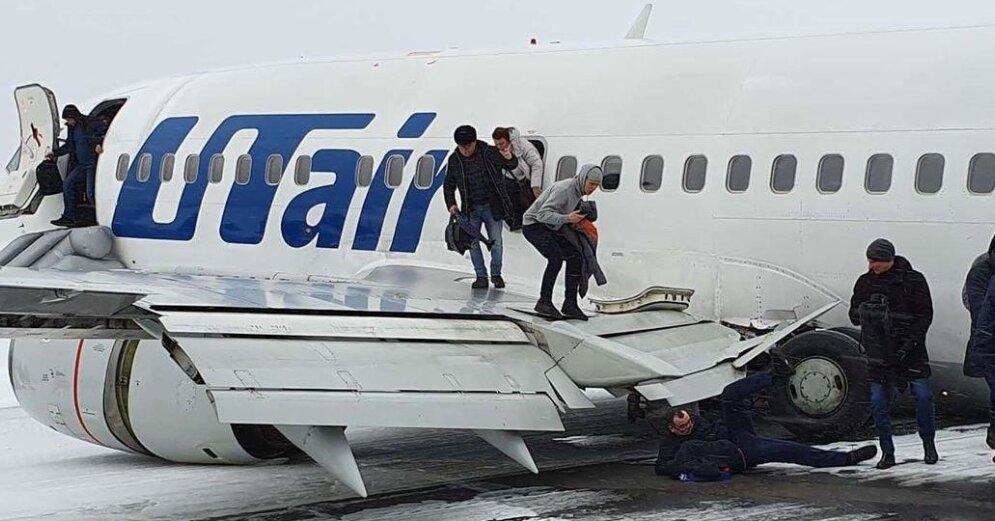 Пассажиры рассказали подробности о жёсткой посадке самолёта в Коми