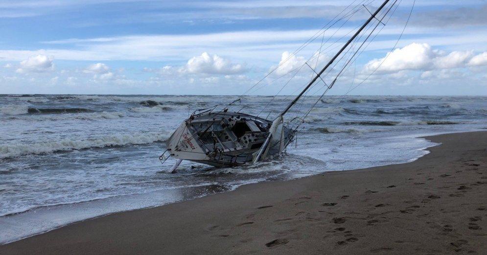 Литовские спасатели ищут пропавших в Балтийском море яхтсменов