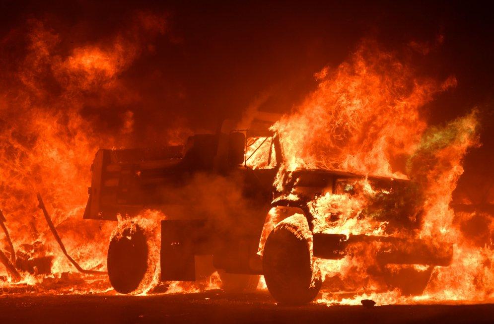 И рай стал адом. 30 фото пожара в Калифорнии, на котором уже погибли 10 человек
