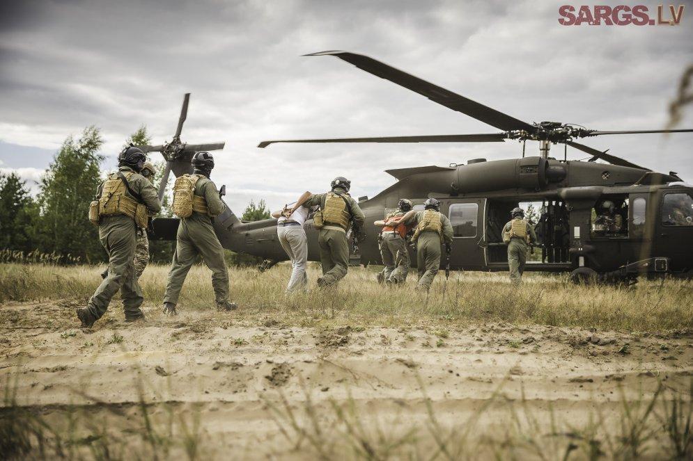 Американский спецназ провел учения по захвату людей в Латвии
