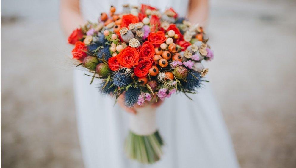 Тюльпаны, розы, букет… Как на самом деле мужчины выбирают цветы в подарок на 8 марта