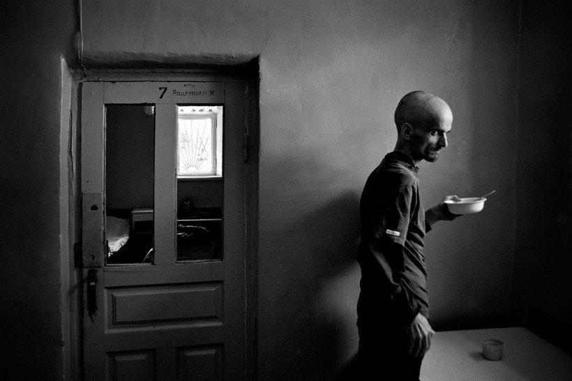 Trakās sejas: unikāls foto projekts no psihiatriskās klīnikas