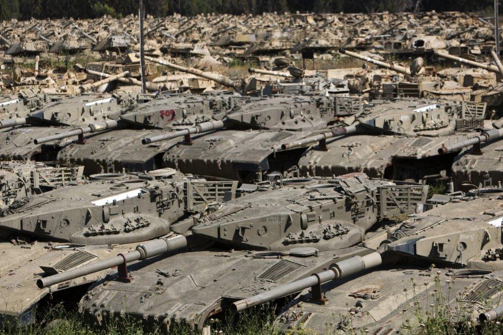 Kapsētas, kurās dus 'miruši' tanki, lidmašīnas un motocikli