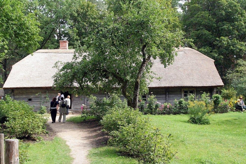 Koka arhitektūra Latvijā